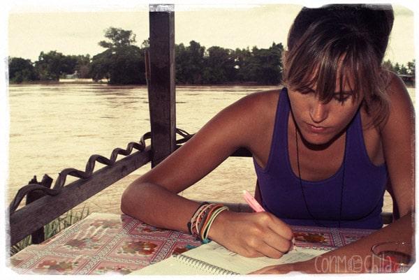 Escribiendo el diario de viaje
