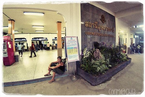 La larga espera en la estación de trenes