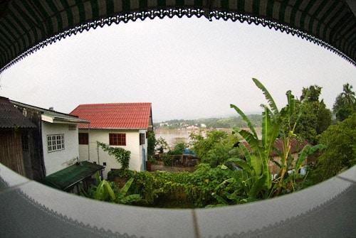 Vistas al río desde un balcón