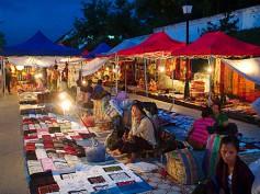 Mercado nocturno de Luang Prabang, paseando entre farolillos
