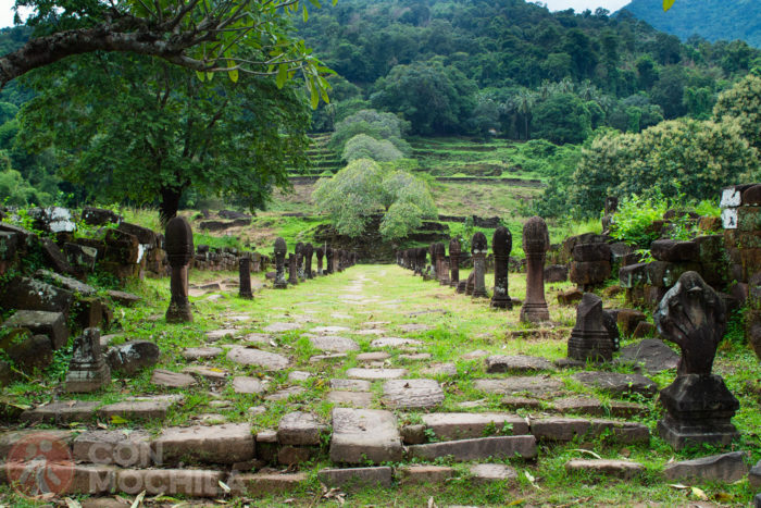 Escalinatas de acceso al templo