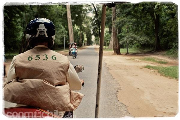 Con Oein camino de Angkor