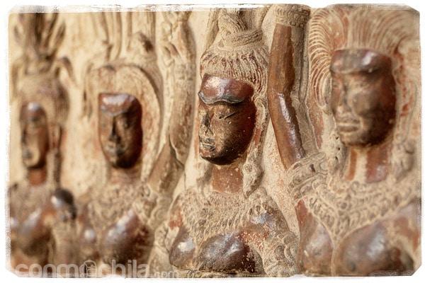 Uno de tantos bajorrelives de Angkor Wat
