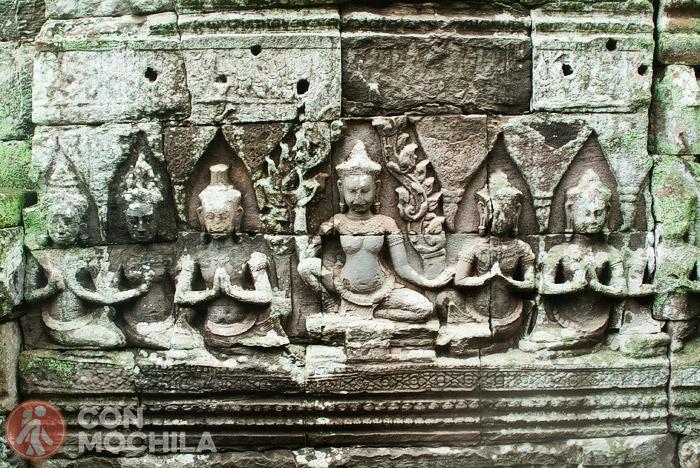 Relieves de deidades