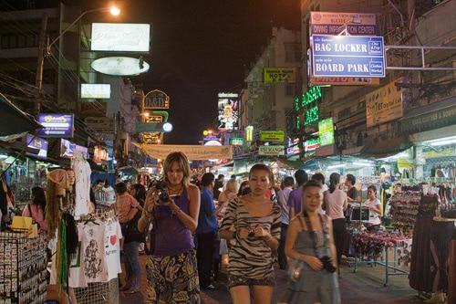 Grabando la caótica y auténtica Khaosan Street