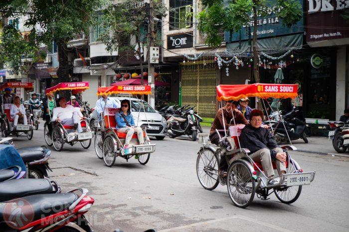 Turistas en cyclo por Vietnam