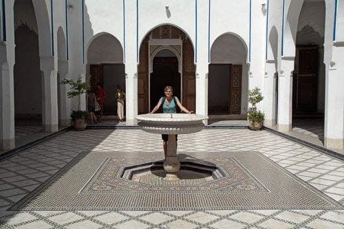 El patio central con su fuente del Palais de la Bahia