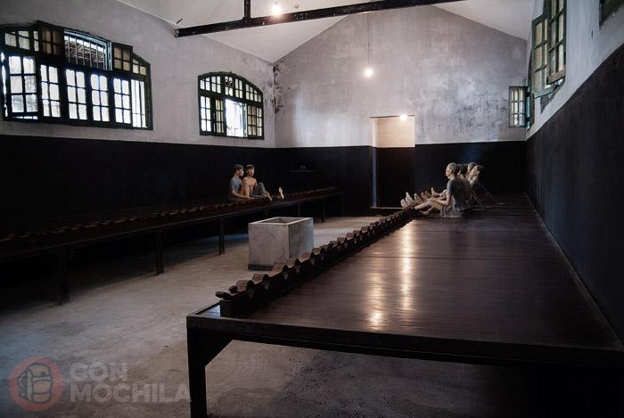 Sala donde se hacinaban los presos