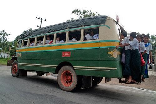 Autobús de la época...