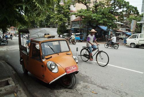 Cochecito bifaro utilizado como taxi