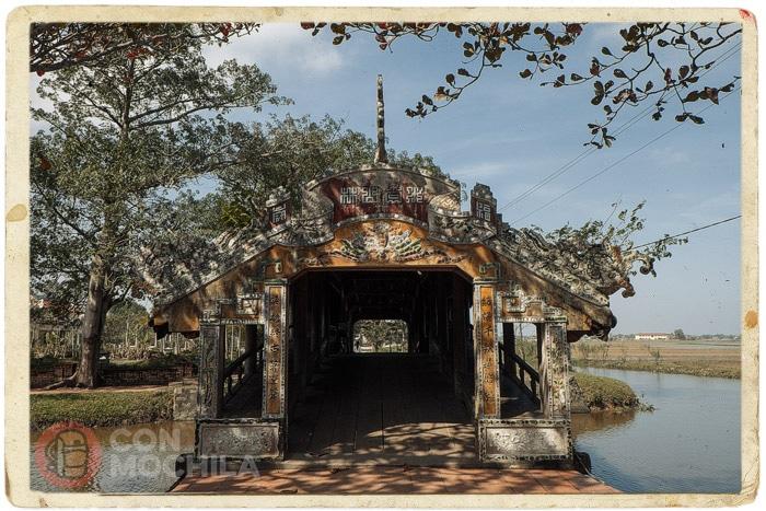 El puente cubierto de Thanh Toan