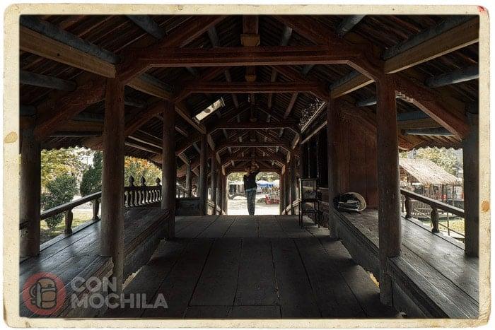 Interior del puente