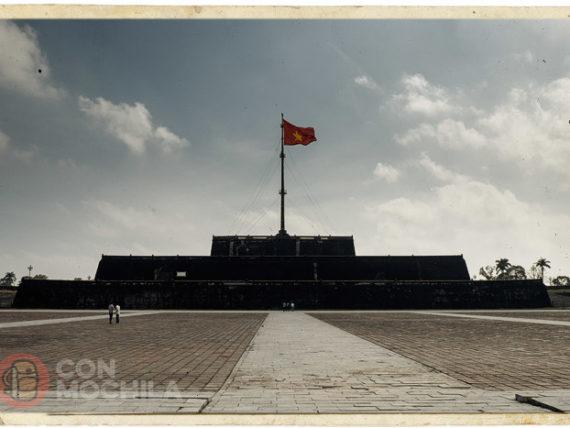 Hué, visita a la ciudadela y las tumbas imperiales