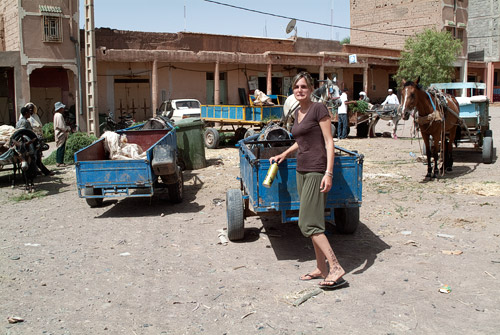 Cara de susto después de moverse el burro al apoyarme en el carro...
