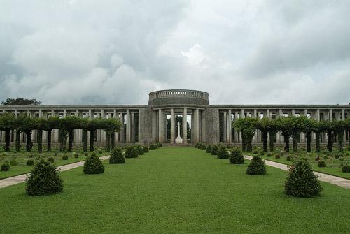 Inmenso cementerio el de Taukkyan
