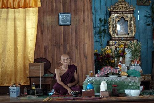 El monje de mayor edad