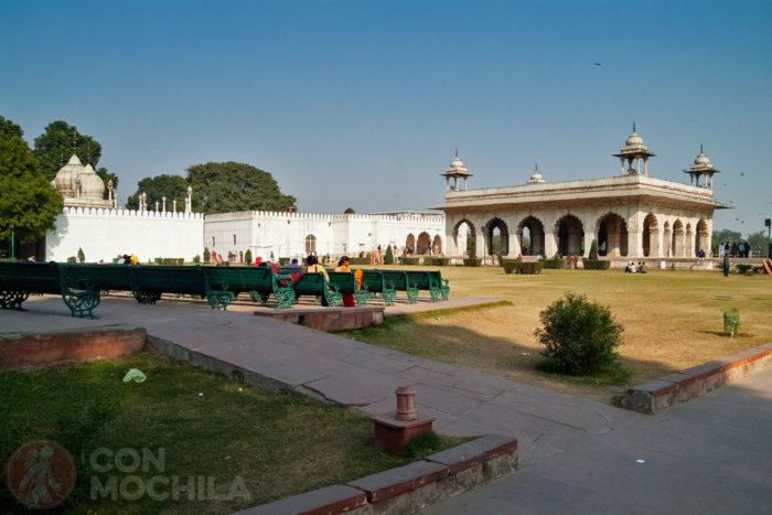 Vistas del Moti Masjid, el hammam y el Divan-i-Khas