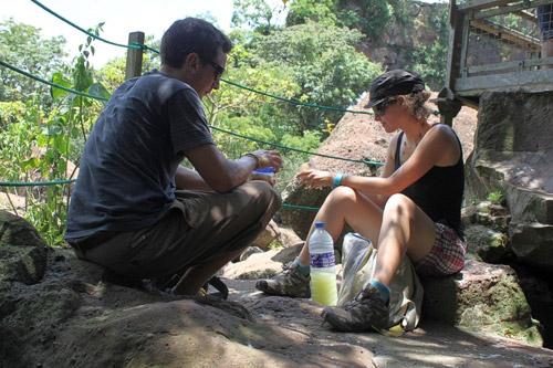 Usando los tupperwares en Iguazú