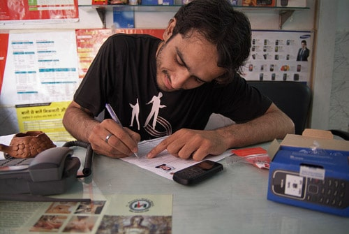 Contrato para la utilización de teléfono móvil indio