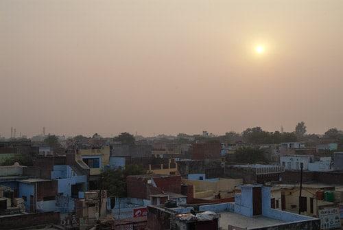 Llegada a Agra con niebla