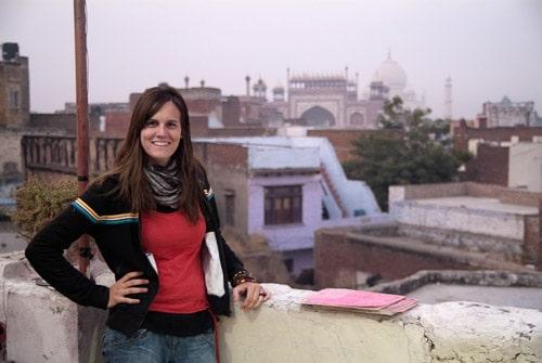 Carme y Taj Mahal - Fotógrafo:Toni