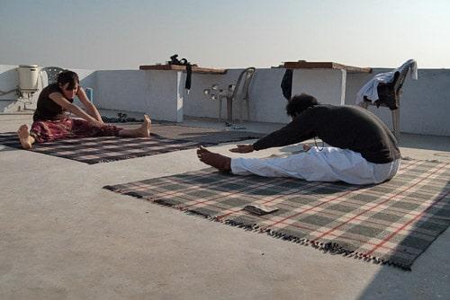 Comenzamos el día con una clase de yoga