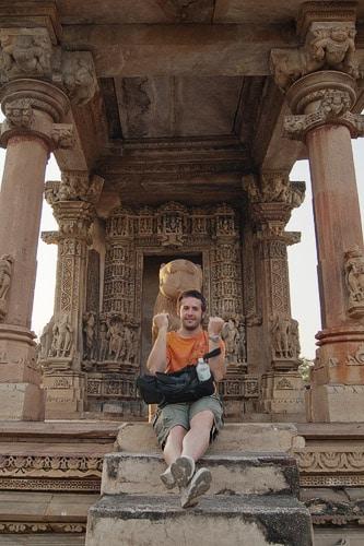 La entrada a un templo