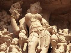 Cap. 14 – Khajuraho: yoga y kamasutra