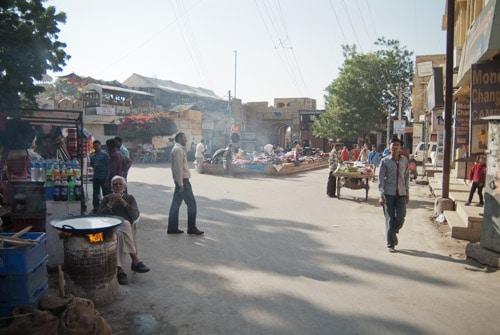 Movimiento en la plaza Gandhi Chowk