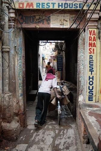 La estrecha calle Ganga Mahal