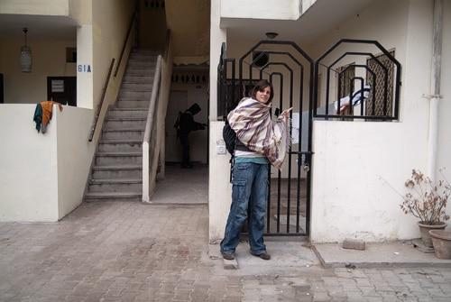 A la salida de casa de Carlos y Guillermo