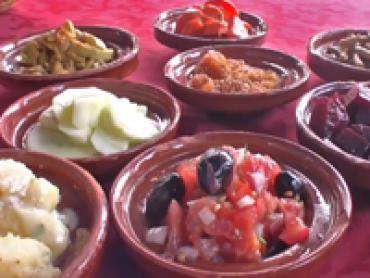 Vídeo 4 viaje a Marruecos – Clases culinarias Marroquíes de Toni en un restaurante de Marrakech