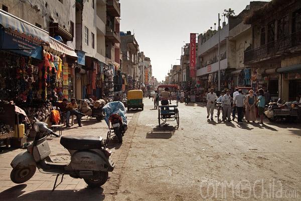 Comienzo de la calle Main Bazar en Paharganj