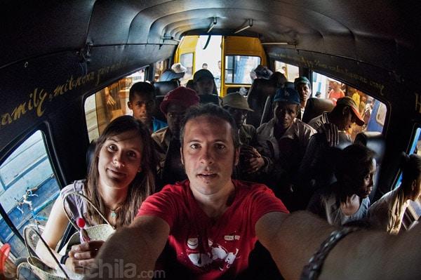 Nuestro primer mini-bus (en asientos delanteros)