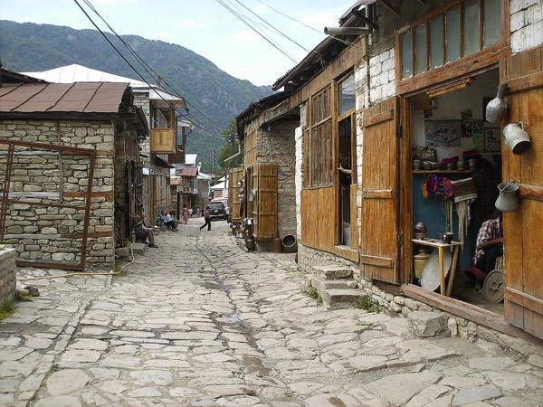 Aldea azerí en las estribaciones del Cáucaso