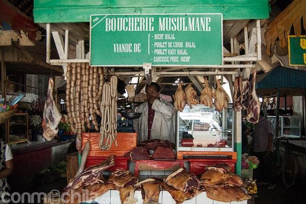 Puesto con carne para musulmanes