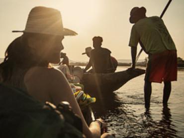 Cap. 06 – Tour Tsiribihina – Tsingy (I): Vazahar a bordo