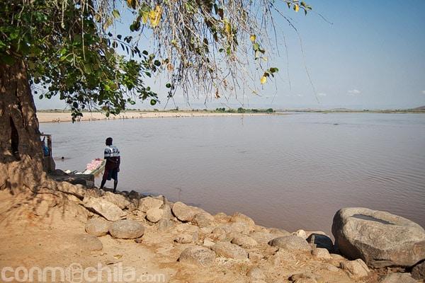 El río Tsiribihina a su paso por Miandrivazo