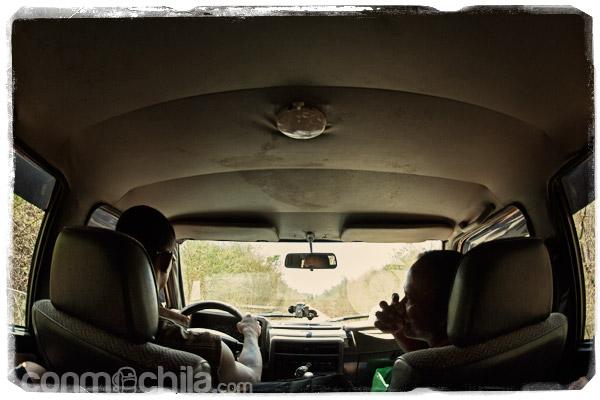 En el interior del 4x4 con Jack y Leonard