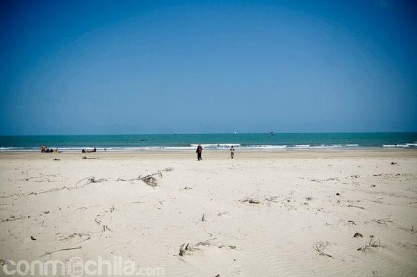 Arena blanca en la playa de Betania