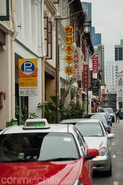 Los numerosos letreros chinos