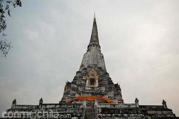 La parte más alta de Wat Phu Khao Thong