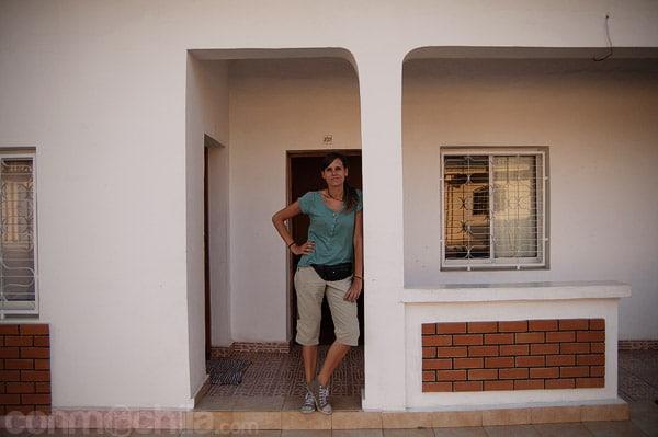 La entrada a nuestra habitación con la pequeña terraza