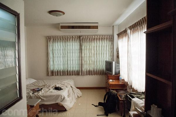 Interior de la habitación desde la puerta