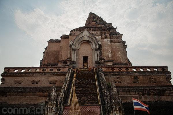 Una de las caras del Wat Chedi Luang