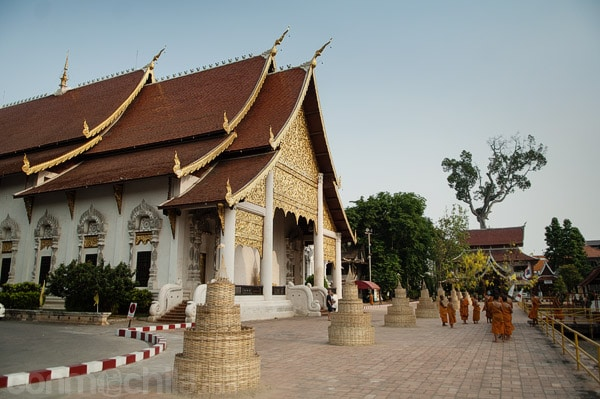 Recinto trasero de la sala de rezos donde encontrar a los monjes