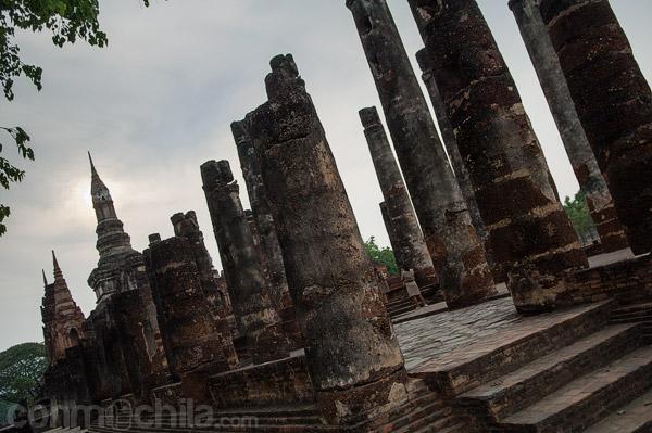 Detalle de las columnas de la sala de oración
