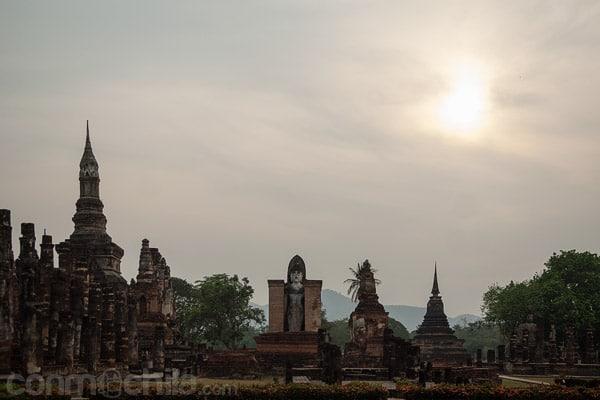 Toma general de uno de los laterales del templo