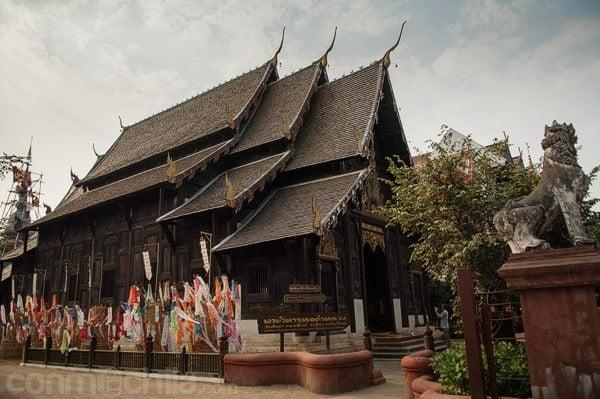 Vista exterior del Wat Phan Tao