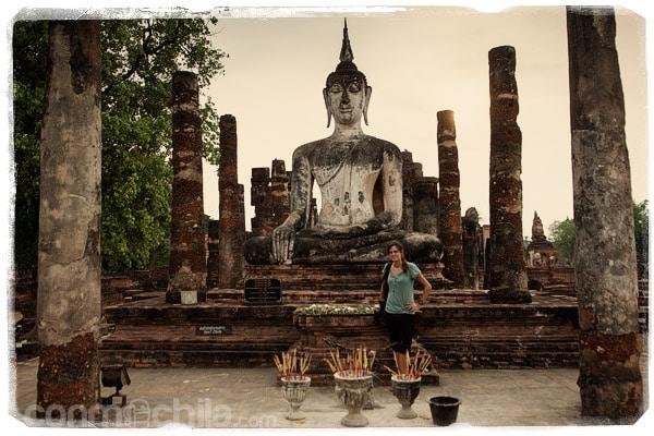 Frente a un Buda